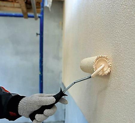 Фасадные штукатурки для загородного дома: какими они бывают и как с ними работать, изображение №6