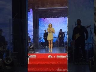 Полина Гагарина поздравила Александра Овечкина