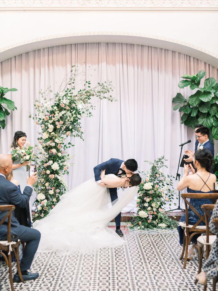 bVyPlQKZYDc - Красивая свадьба на западном побережье