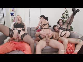Brittany Bardot, Anna de Ville, Laura Fiorentino, Giada Sgh - Fuck, this aint normal christmas #1 GIO1671 (21-12-2020) 720p