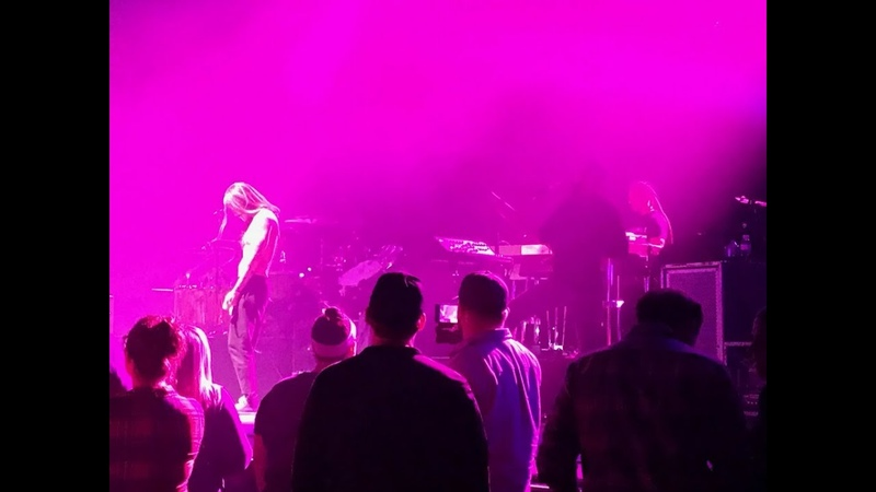 Incubus Megalomaniac Live in St Louis 2019