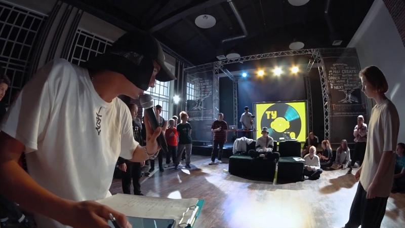 ТУСОВКА battle 2019   Hip Hop Beginners  1/8  Шарапова Анита vs Lada