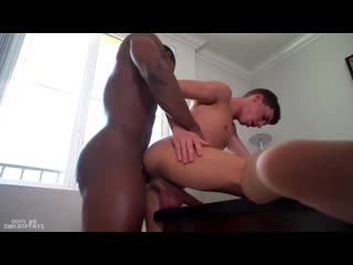 гей негр трахнул красивого молодого парня Guys In Sweatpants - Ass For Days - DeAngelo Jackson Hayden Brier [720p]