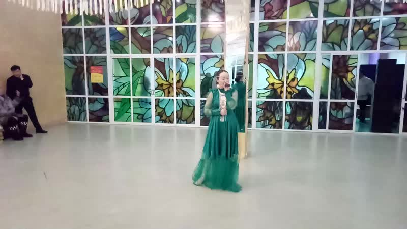 Кэрэ куо диэн ырыаны ыллыыр Вероника Быганова Покровск Якутия 17 02 2019