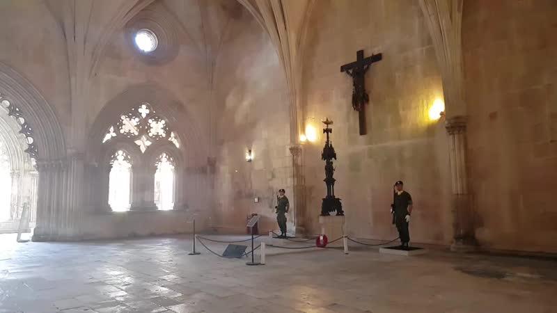 смена караула памяти в Баталье