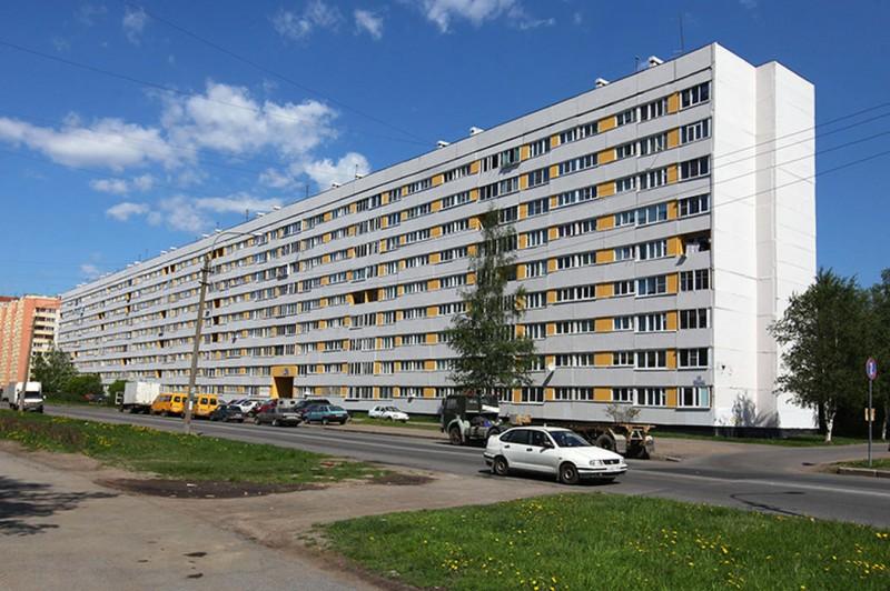 "Дом типа ""корабль"" фото с сайта: https://www.bn.ru/wiki/tipy-domov/korabli-seriya-600"