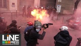 Marche des libertés - Heurts très violents dans la capitale / Paris - France 05 décembre 2020