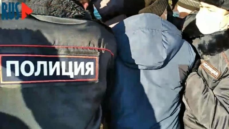 ⭕️ Башкиры отбили у полиции своего товарища на Народном сходе в Уфе