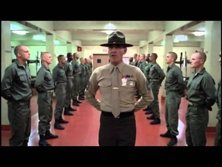 Sergeant Gunnery Hartman wünscht frohe Weihnachten