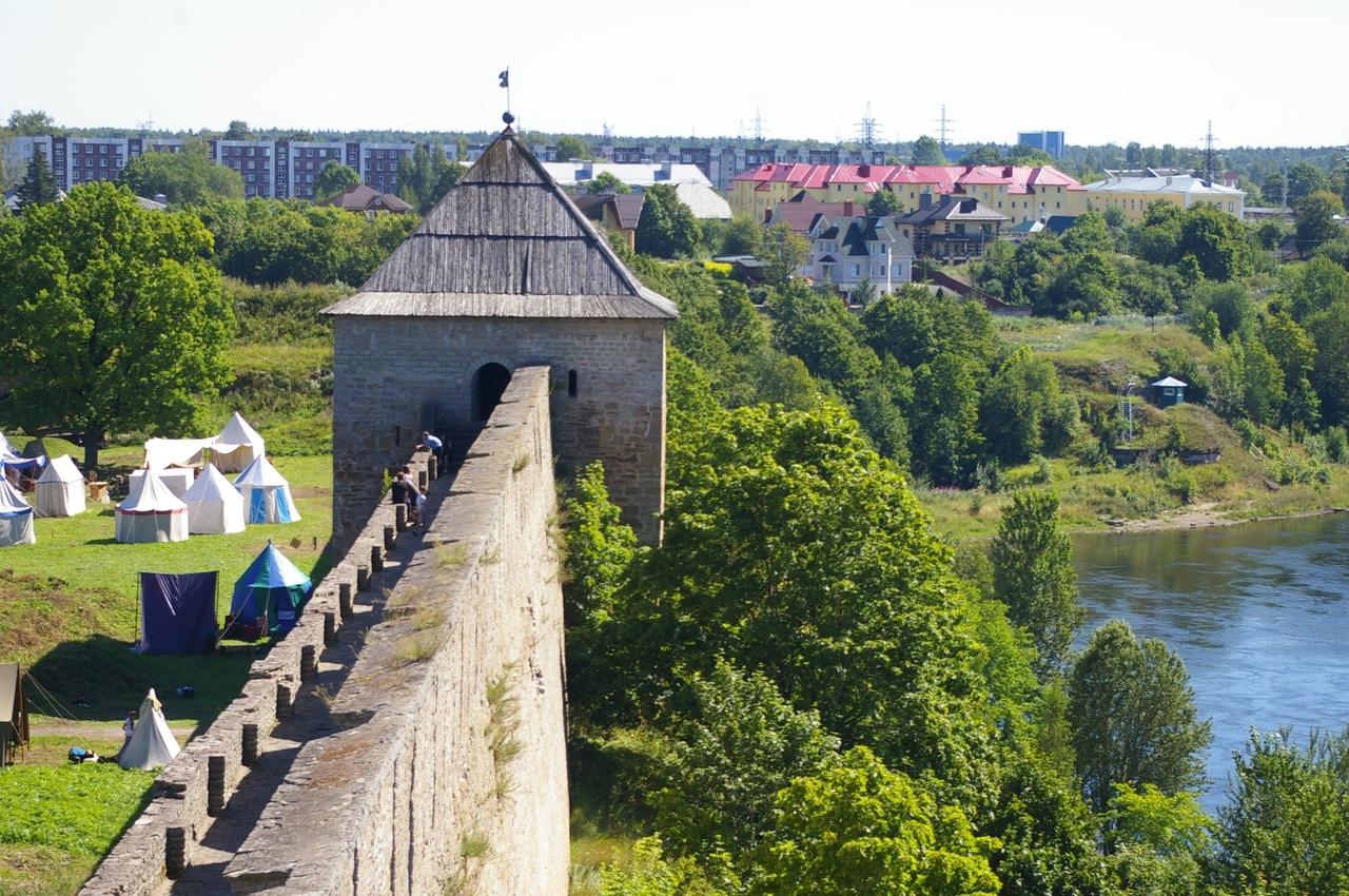 ИЗУЧАЕМ КРАСОТЫ ЛЕНИНГРАДСКОЙ ОБЛАСТИЮ. Ивангород . Средневековая крепость , рыц...