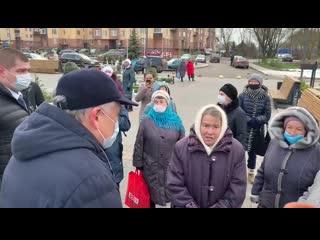 Губернатор Ленинградской области пообщался с жителями Малого Карлино