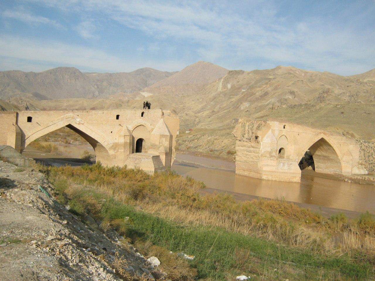 Древний мост по пути Тебриз-Зенджан