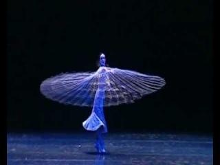 Диана Вишнева: Красота в движении. Поток, часть III. Водный цветок. Звучит Гаятри мантра в исполнении Дэвы Премал.