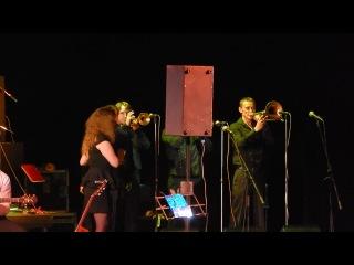Елена Ваенга прдставляет музыкантов из Барнаула.