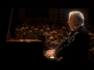 "Barenboim on Beethoven 3-1 - Sonata No. 8 ""Pathtique"" No. 12 ""Funeral March"""