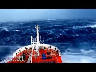 Корабли против шторма, лютый шторм. Die Schiffe gegen Stürme, heftiger Sturm.