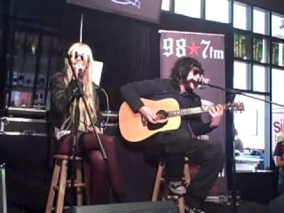 PRETTY RECKLESS - TAYLOR MOMSEN  singing Criminal at the GRAMMY gifting suite