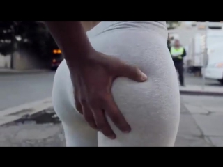 Когда «Чернокожий Африканец»  увидел красивую «ASS» [#BLACKMUZIKTV]