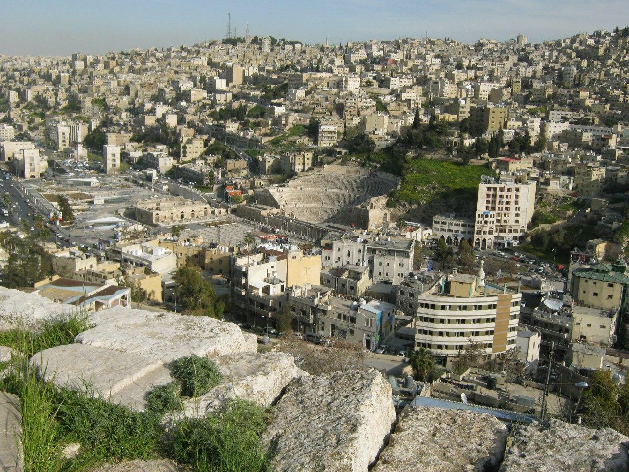 С крепости вид на амфитеатр в Аммане