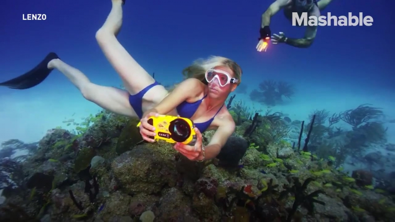 LenzO iPhone 7 Action camera for underwater shooting