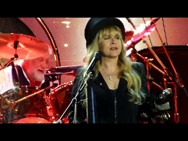 Fleetwood Mac - Go Your Own Way - Paris Bercy 2013