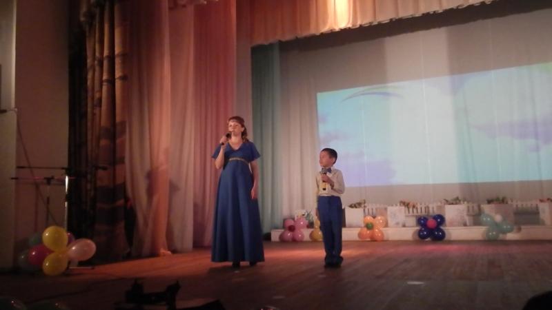 Стихотворение мамы и сына » Freewka.com - Смотреть онлайн в хорощем качестве