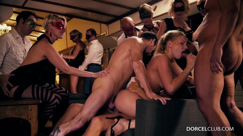 Французская секс вечеринка с русскими красотками (оргия,