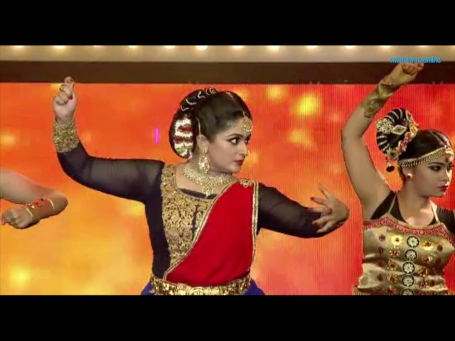VANITHA FILM AWARDS 2016 ബാഹുബലിയിലെ ഗാനത്തിന് ചുവടുവച്ച് കാ