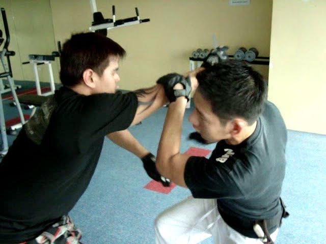 Filipino Knife Fighting Rapido Realismo Kali Manila Philippines