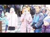 Престольный праздник. Прихожане поют песню Светланы Копыловой