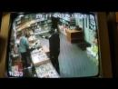 Грабитель похитил два тюбика зубной пасты