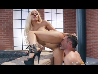 [Brazzers] Luna Star - Bomb Pussy [2018, MILF, Big Tits, Blonde, Deep Throat, Face Fuck, Facial, Latina, Uniform, 1080p]