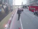 Велосипедист вышел на тропу войны против пешеходов