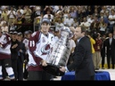Colorado Avalanche Win Game 7 and Joe Sakic Hands Ray Bourque The Stanley Cup 2001 (09.06.2001)