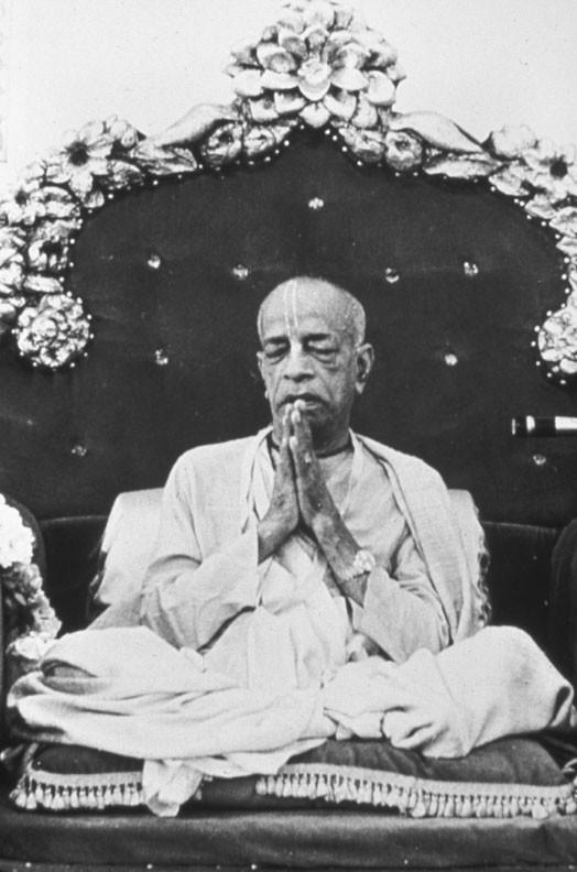 Установление Божеств Шри Шри Радха Гокулананда