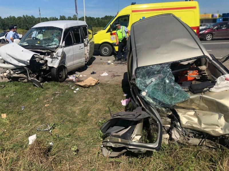 11 пострадавших в аварии под Томском находятся в больницах