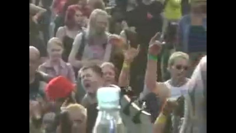 Ruoska - Irti, live Puustock 2005 (вот это барабанщик колбасит!)