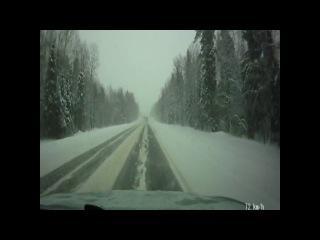 Занос на снежной дороге,почти лобовое с