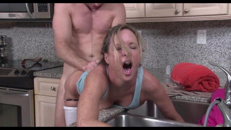 girl-fuck-milf-fucking-in-kitchen-gif-hairy-powered