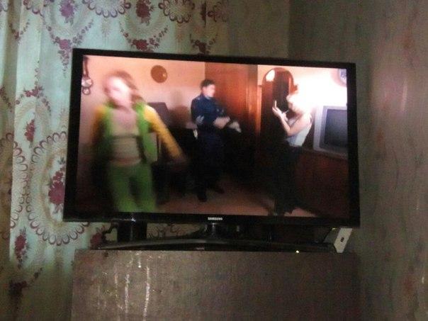 Самсунг 32 дюйма смарт ТВ 3D