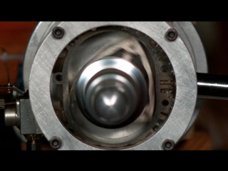See through #Rotary Engine in Slow Motion - (#Wankel Engine)