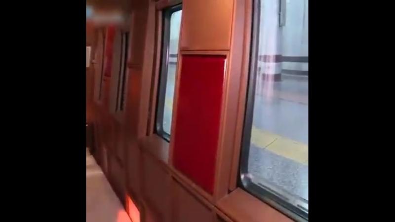 Новый поездку вагон внутри супер
