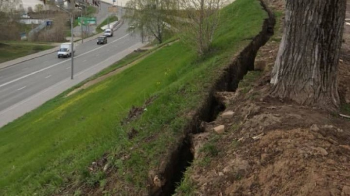 При въезде в Томск обнаружили незаконную раскопку