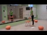 катя  тренировка со стулом