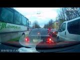 Обычный автобус гн О755ХН39 на ул. Дзержинского в Калининграде. 13.03.18