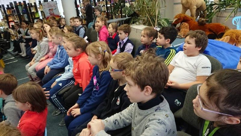 Интерактивную викторину провели в День русского языка для гостей библиотеки на 1-й Хуторской