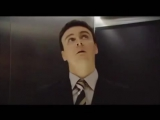 Шотландцы в лифте с голосовым управлением