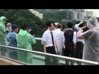 """Фанкам 180823 @ GOT7 на съёмках телешоу """"Hard Carry 2"""" в Гонконге"""