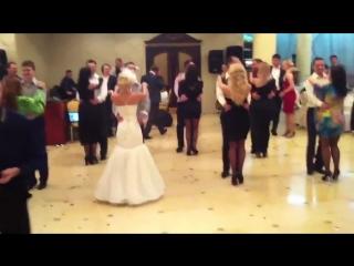 Moldavian wedding ! веселые танцы на молдавской свадьбе !
