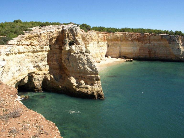 Алгар-де-Бенагил. Пляж в пещере. + Фото, изображение №3